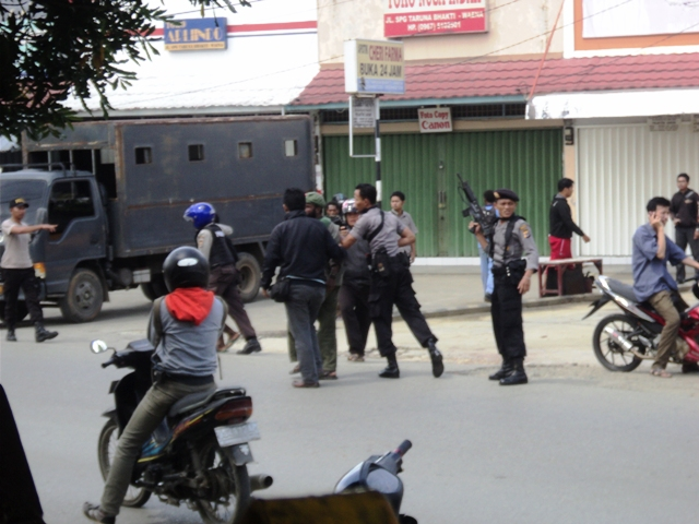 Victor Yeimo's arrest on December 1 (Photo: West Papua Media/KNPB)