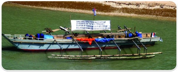 The boat that brought 43 West Papuan Asylum seekers to Australia, putting Papua back on the front page and touching off a diplomatic storm . Photo Damien Baker, Mapoon, Queensland, Australia January 17th, 2006