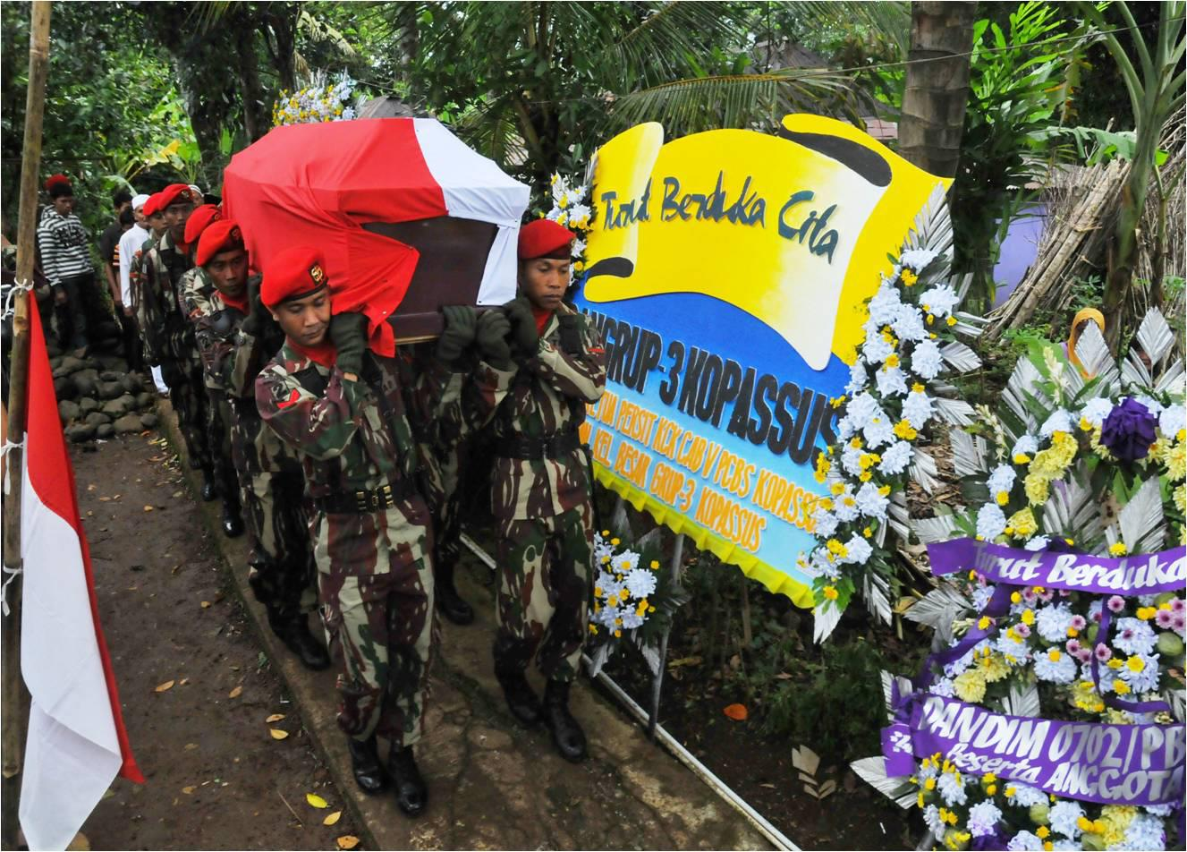 Funeral of Sentani based Kopassus officer killed in SInak incident, Feb 24. (supplied)